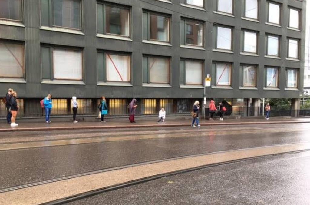 フィンランドの行列の並び方