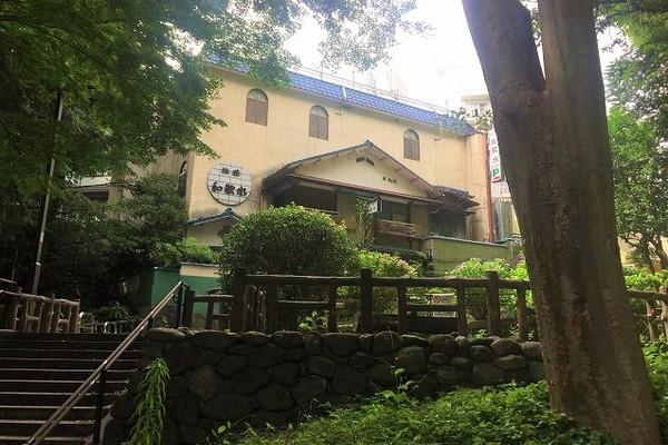 井の頭公園脇の謎の旅館「旅荘 和歌水」
