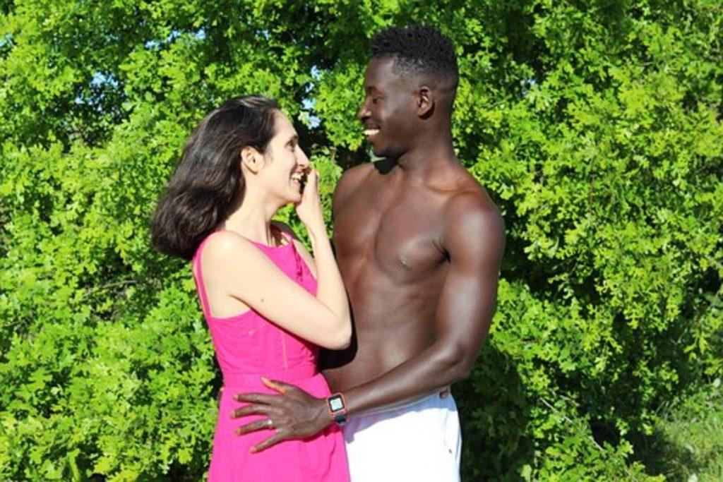 黒人と白人のカップル