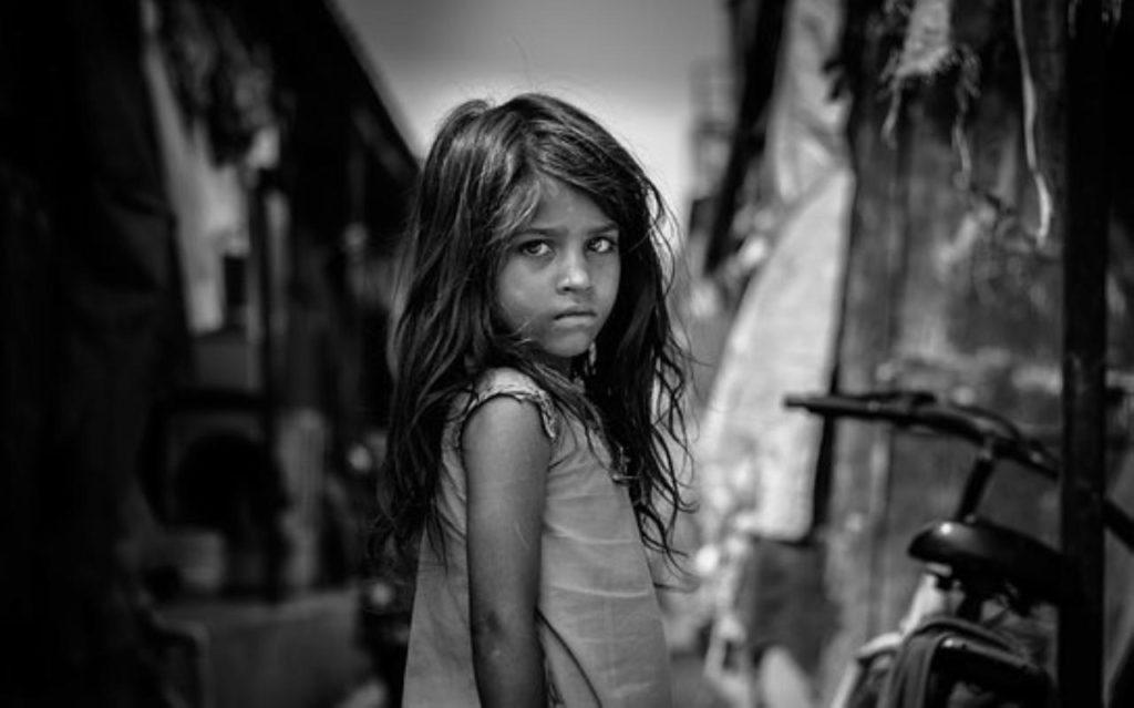 貧しい国の人々の中には食べたくても食べられない人もいる