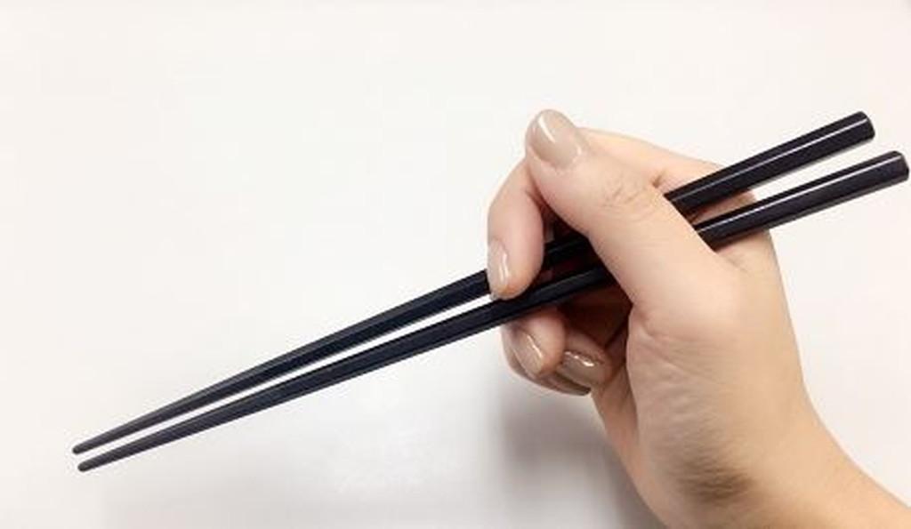 箸の持ち方 悪い例:えんぴつ箸