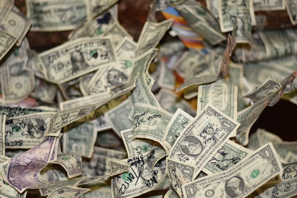 投資が多くなってくると千円札が紙切れに思えてくる