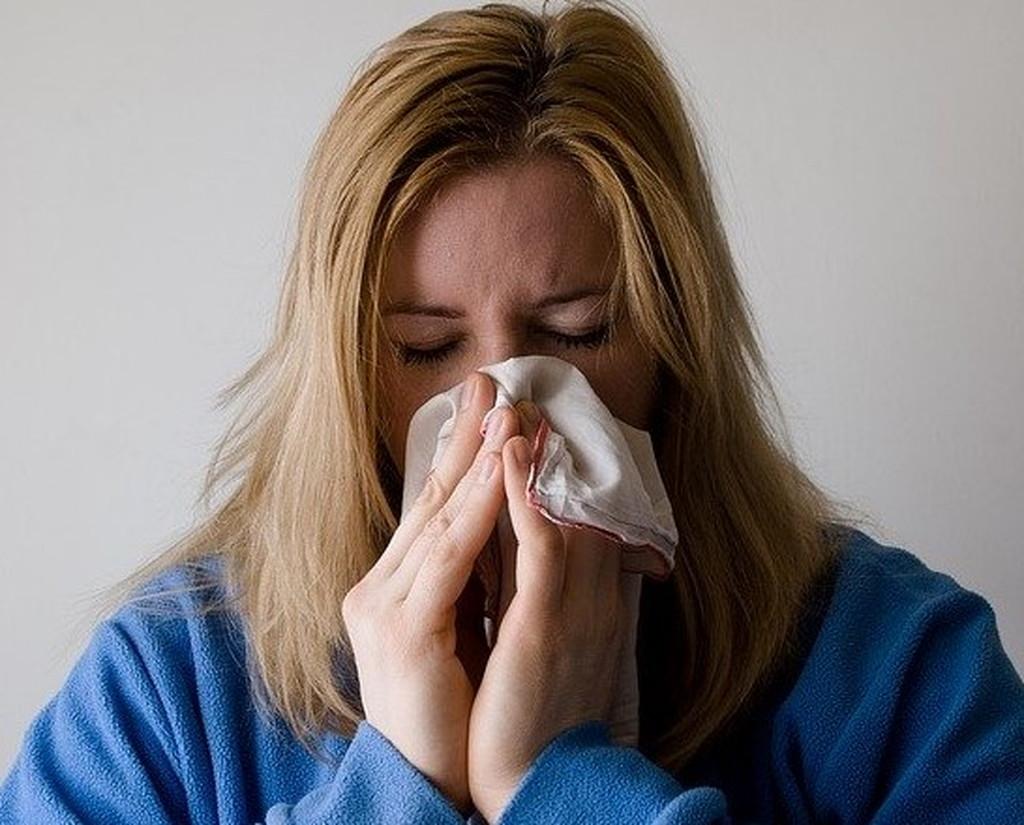 鼻炎などで鼻が詰まっている